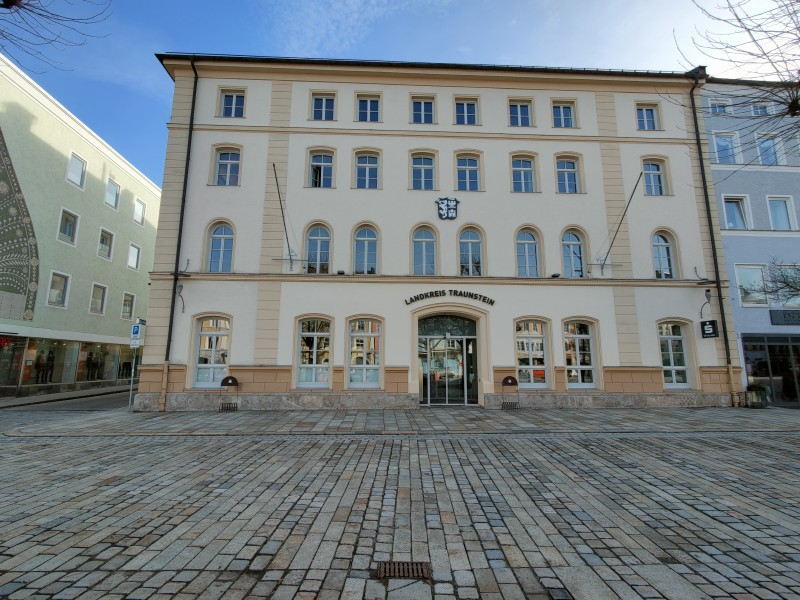 Im Forum Chiemgau am Stadtplatz befindet sich der Campus Chiemgau im dritten und vierten Geschoss © Landratsamt Traunstein