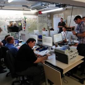 © Landratsamt Traunstein: Im Lagezentrum der Führungsgruppe Katastrophenschutz herrschte rege Betriebsamkeit.
